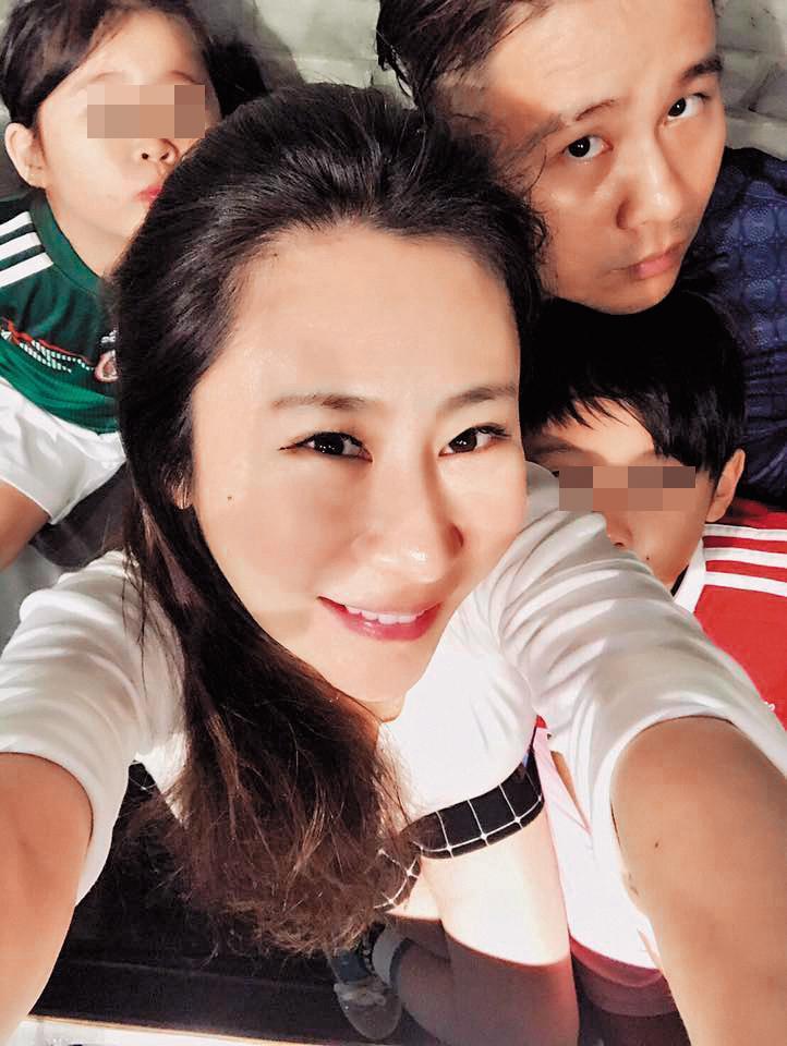 安妤晨與老公張劭緯結婚將近11年,育有1對子女,外界都以為他們非常幸福。(翻攝自張紹緯臉書)