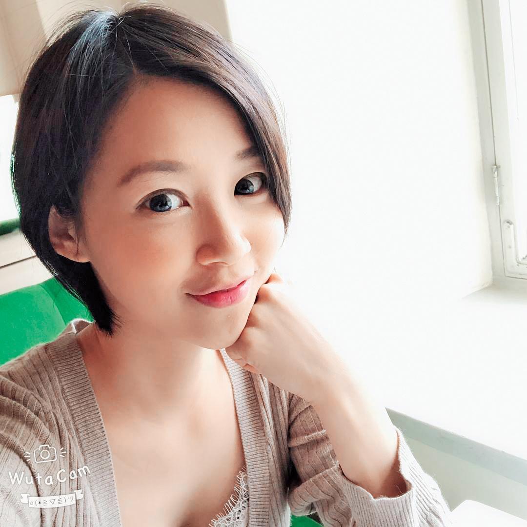 主播竹幼婷曾自爆化妝箱被偷。(翻攝臉書)