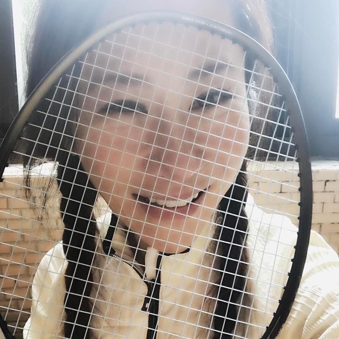 安晨妤經常在臉書上PO照,羽球拍也是重要入鏡工具。(翻攝臉書)