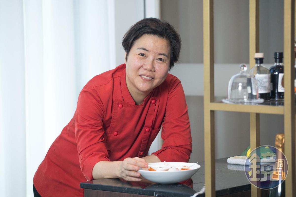 「鹽之華法國餐廳」主廚黎俞君展現中台灣法餐教主的霸氣。
