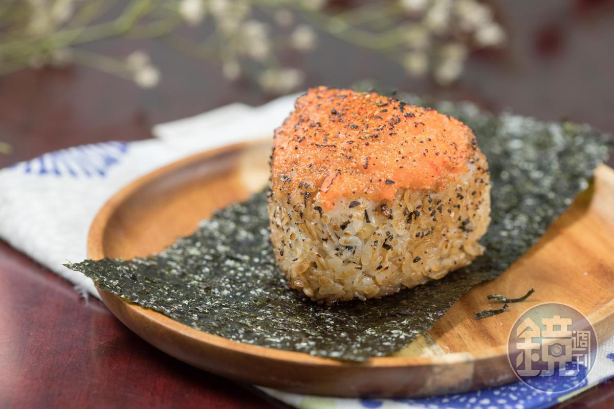 BG遇飯糰的「炙燒龍蝦」,炙燒後味道更加濃郁。(55元/個)