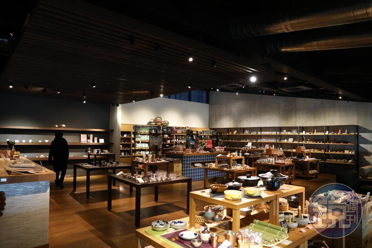 二樓的「Okatte」販售道具器皿。