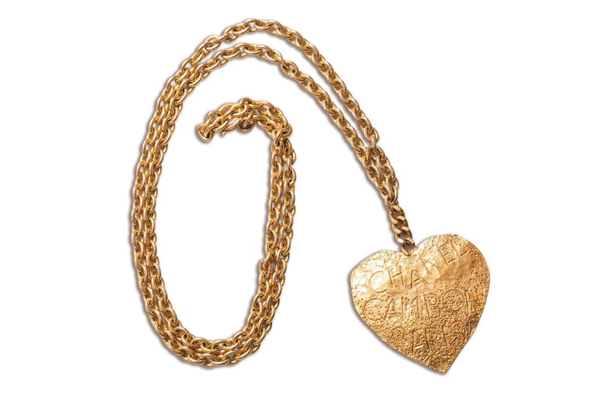 CHANEL愛心形狀古董項鍊。約NT$18,000