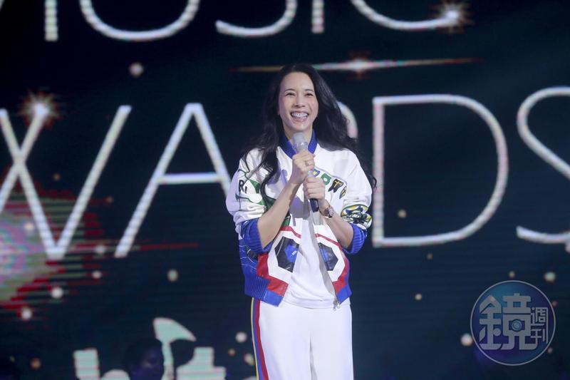 莫文蔚以一身休閒裝扮,出席「2018 Hito流行音樂獎」彩排。