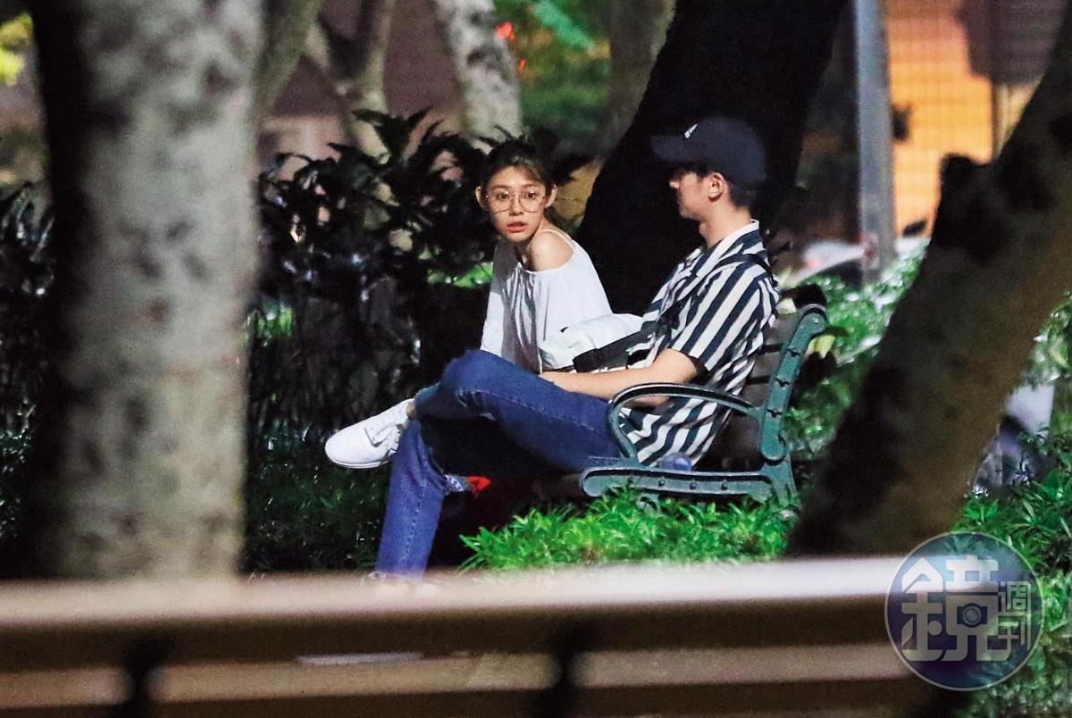 之前就傳張軒睿的前女友隔空嗆聲「禎睿戀」,而且前女友還跑去禎睿戀的公園長凳發表IG即時動態。