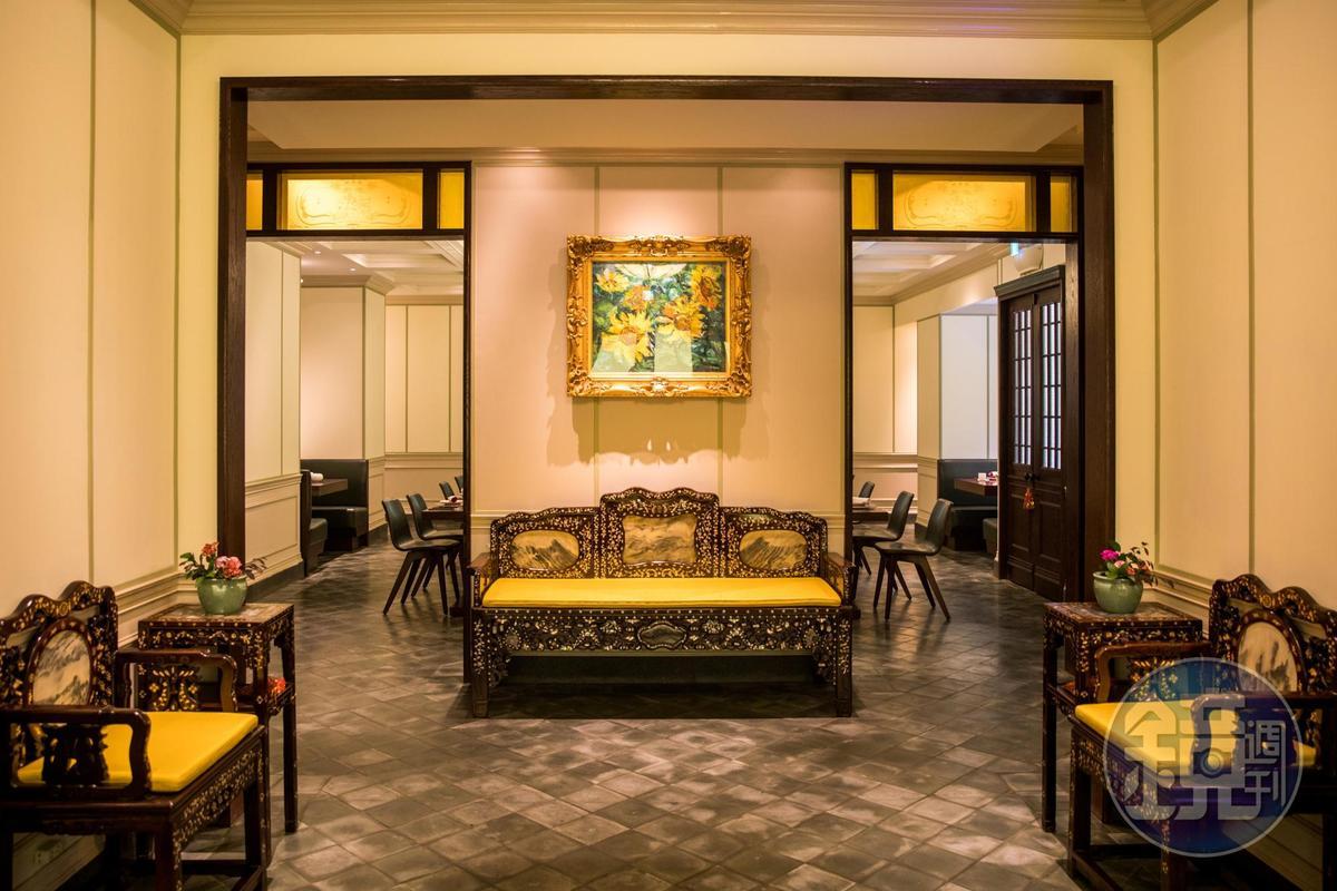 餐廳內陳列不少經營者何奕佳的畫作收藏。