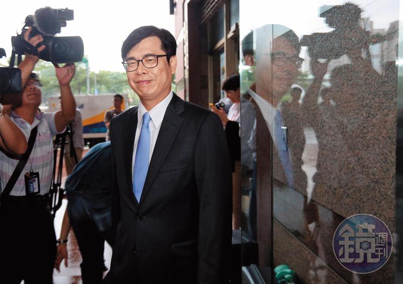 民進黨立委陳其邁獲黨提名參選高雄市長後,民調始終維持在高檔。