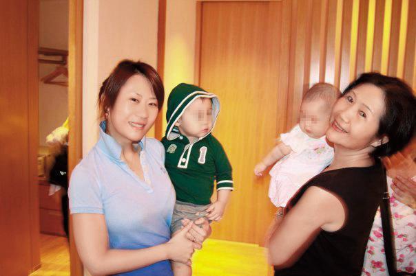 安晨妤(左)為元祖生下後代後,與婆婆張秀琬(右)關係不錯,據說婆婆對她的賺錢能力也給予高度肯定。(翻攝自張邵緯臉書)