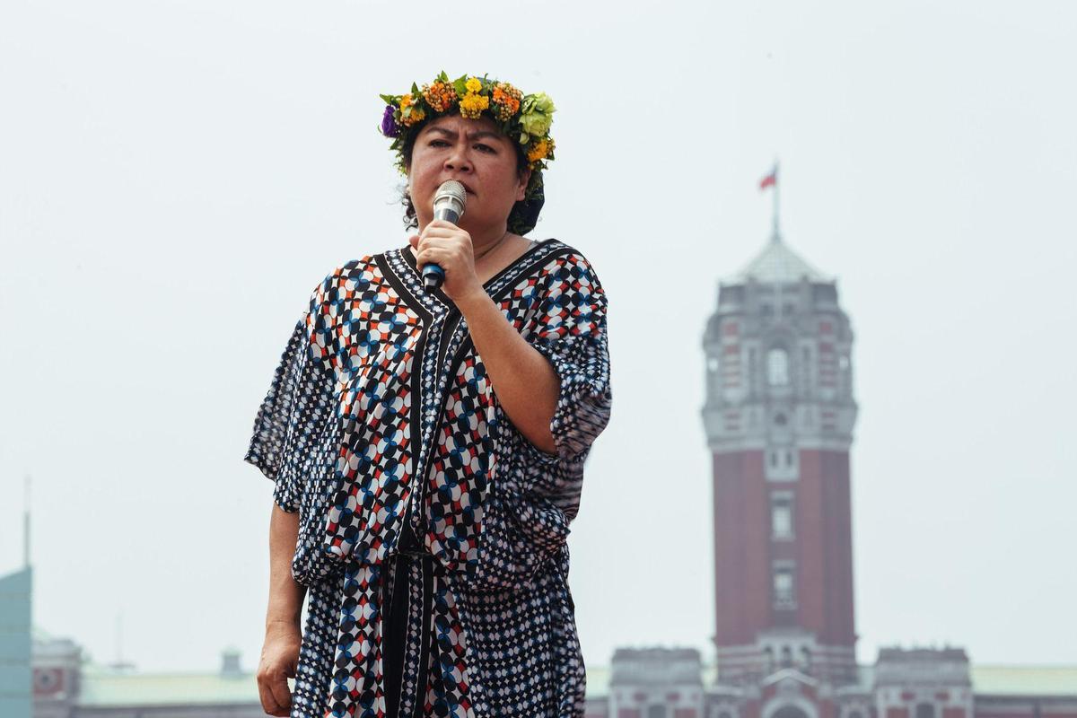 巴奈唱出對台灣土地的慈悲跟關懷。(子皿有限公司)