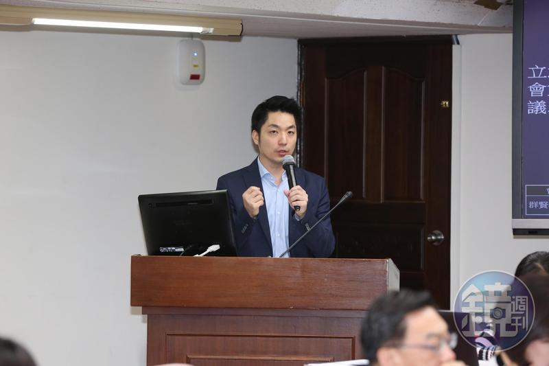 國民黨立委蔣萬安原訂上週四要替林為洲站台造勢,但也因黨內壓力而暫緩。