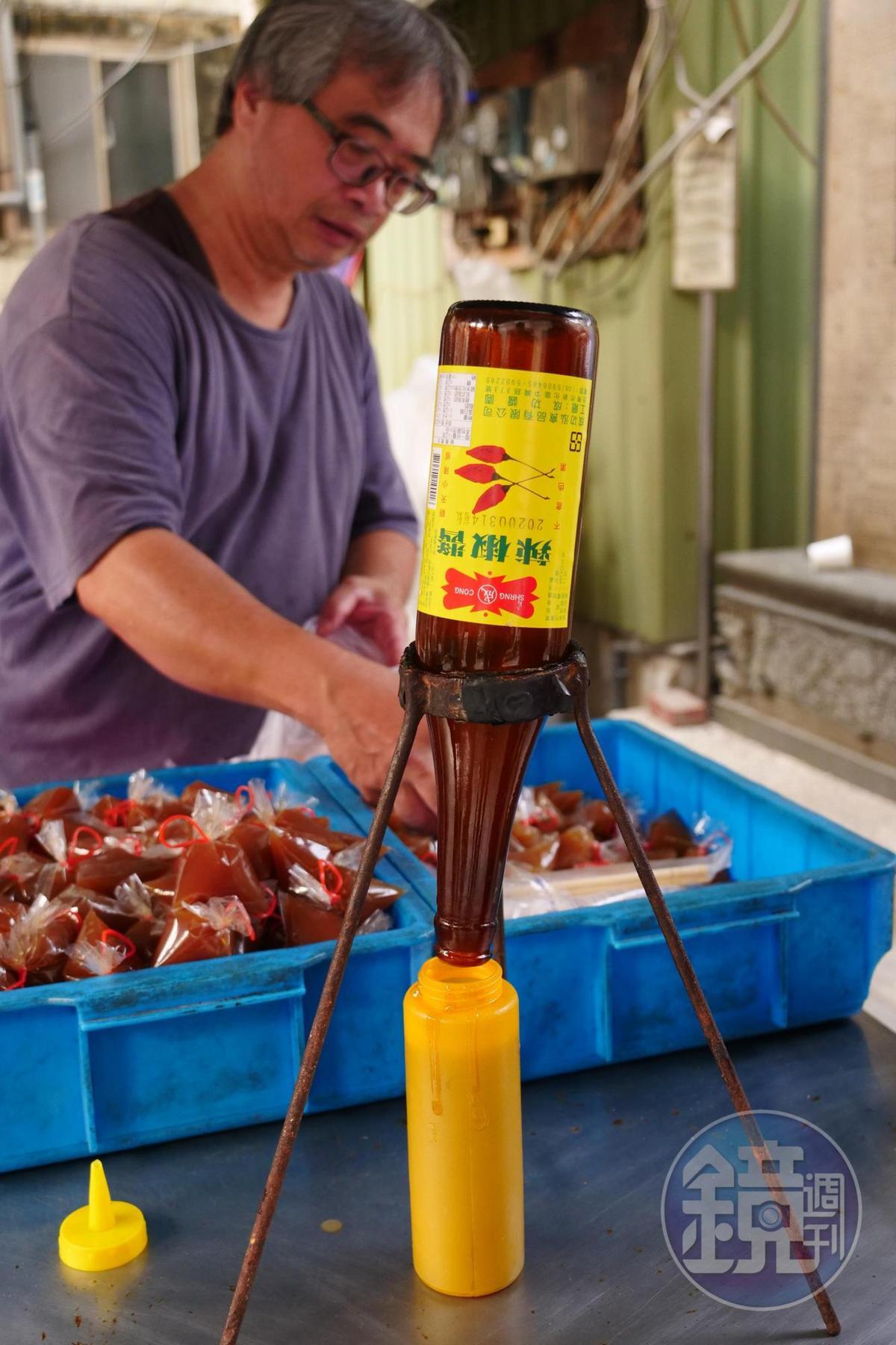 吃菜粽不可少的就是這味看似無害實則勁辣的辣油膏。