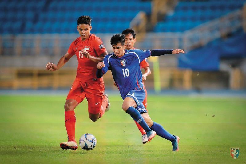 國內12~18歲足球員培訓黃金期的中學聯賽幾近真空,導致成人隊無人可選,成績自然差。圖為今年3月在台北舉辦的亞洲盃。(翻攝自中華民國足球協會CTFA臉書)