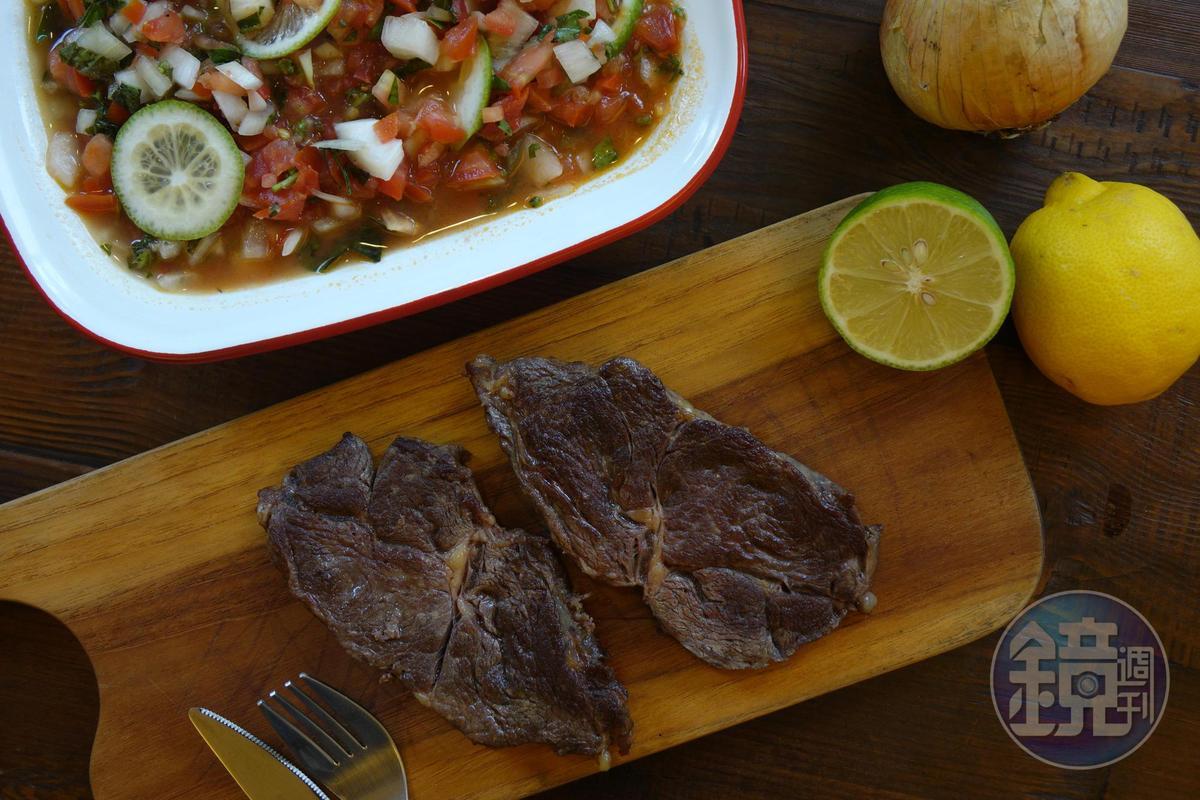 清真認證牛肉「HALAL-澳洲特選熟成肋眼(草飼)」厚度約1.2~1.5公分,油筋分布均勻。