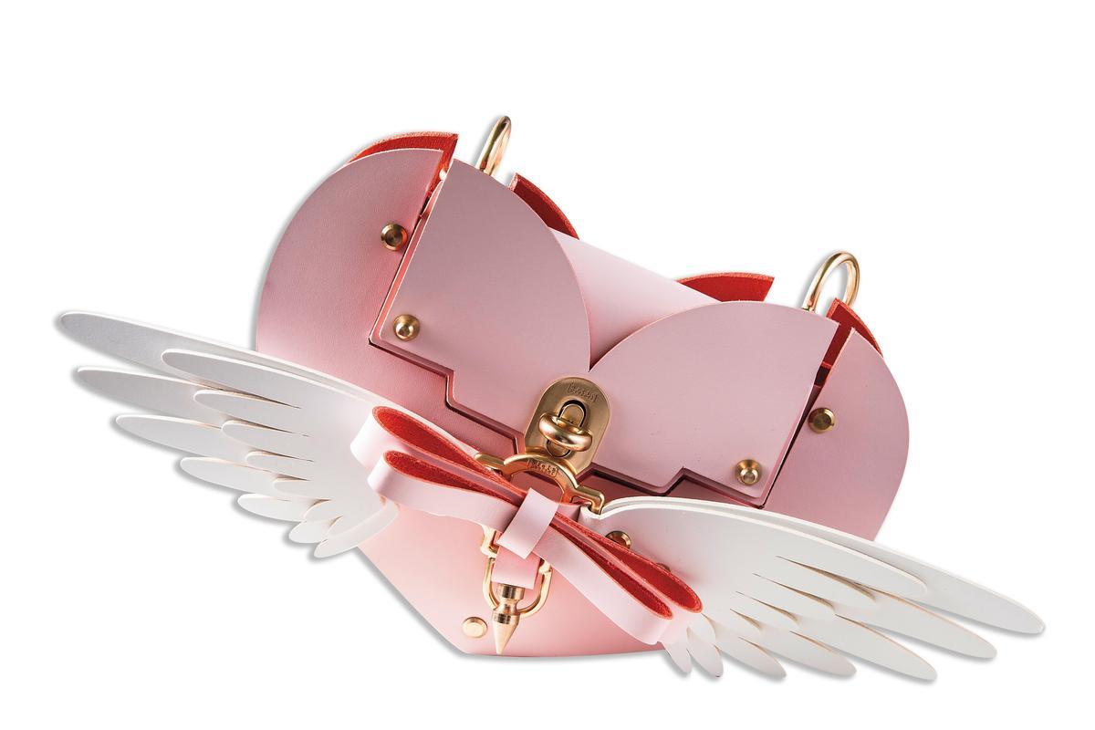 Niels Peeraer立體蝴蝶結粉色愛心包款。NT$28,080