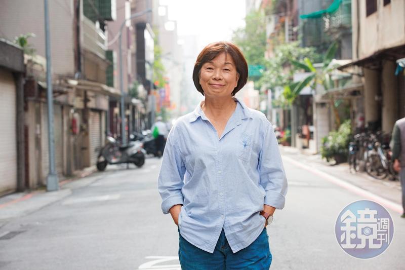 龍應台為了母親搬回屏東潮州,台北的龍應台基金會也在潮州街旁,不可不謂巧合。