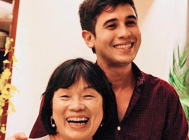 龍應台(左)的兒子菲力普(右)住維也納,母子聚少離多,平日只能藉由電腦通訊軟體互動。(翻攝自龍應台臉書)