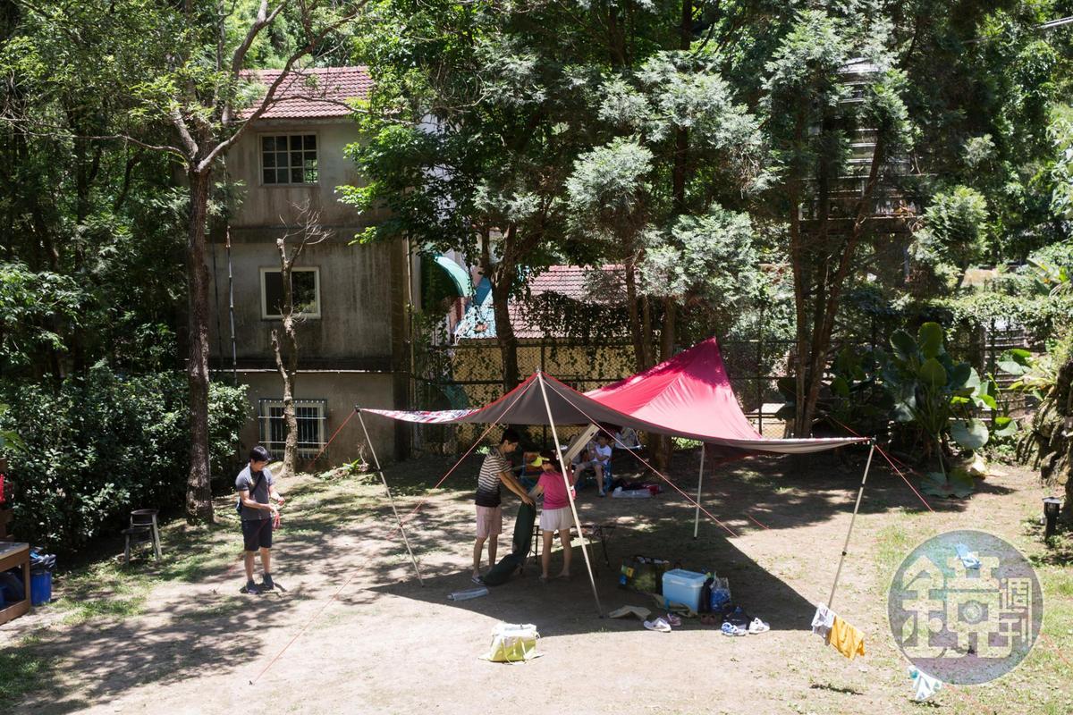 近年露營風興起,栗田庄也設有營地。