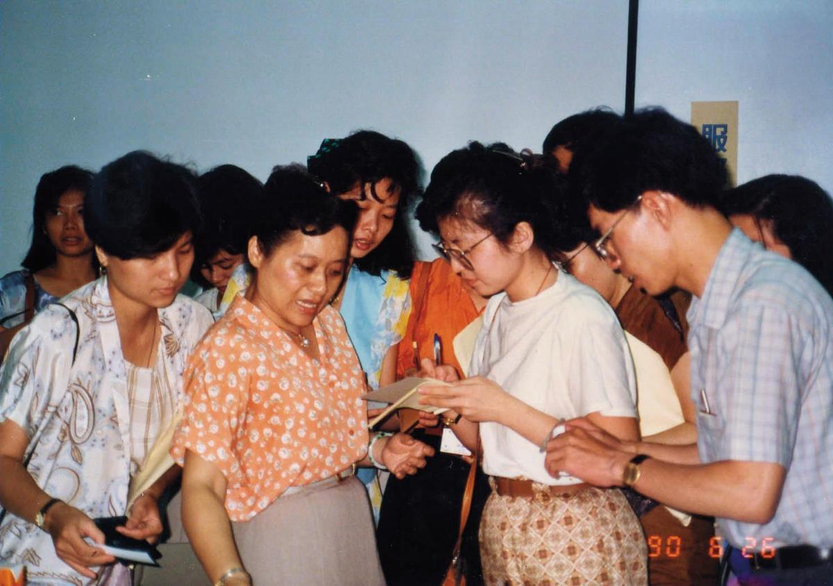 王玉杯很早就知道要建構GMP認證,圖為她簡報GMP實施狀況。(南光提供)