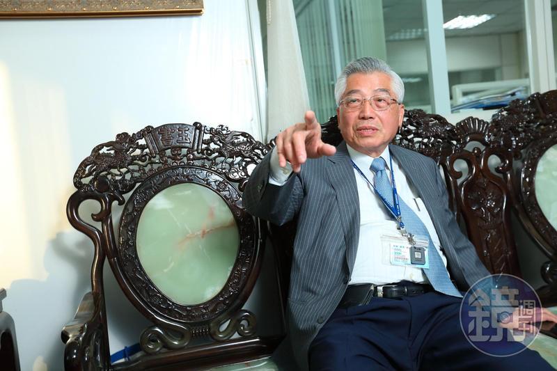 南光董事長陳立賢講起父親的創業歷程,忍不住讚嘆佩服。
