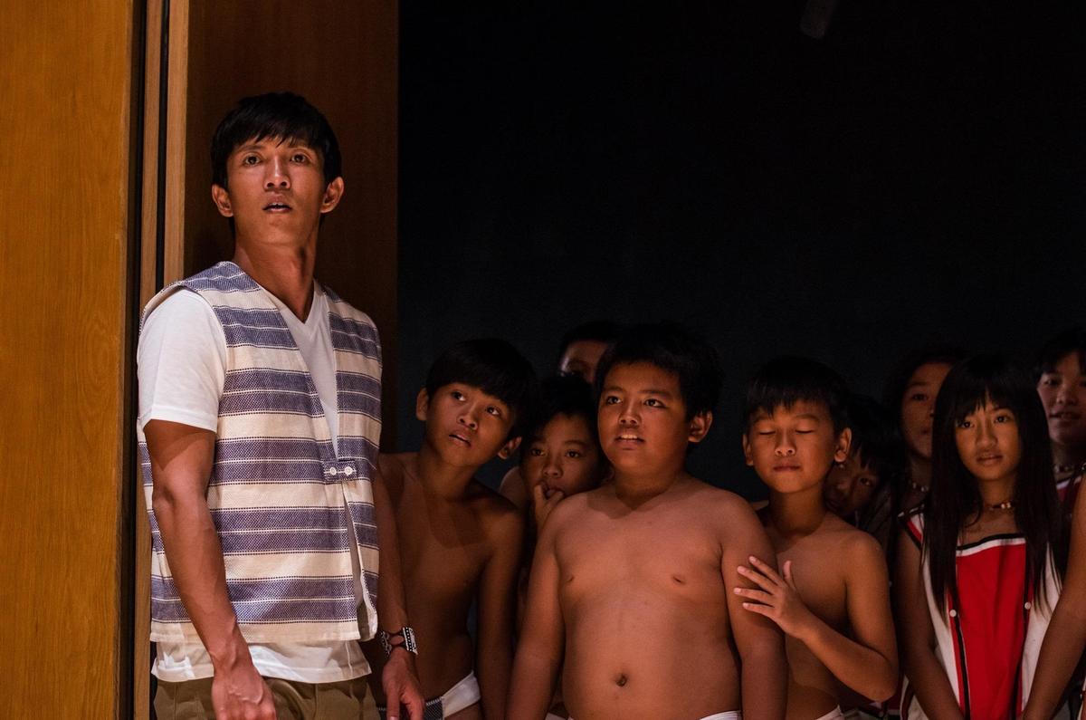 《只有大海知道》是台灣女導演崔永徽歷時6年籌拍完成的電影,劇情改編自「小飛魚文化展演隊」的真實故事。(海鵬提供)