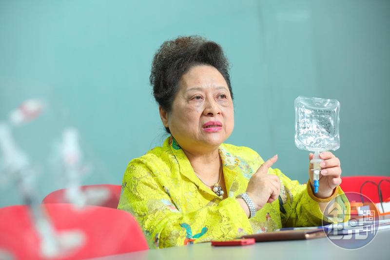 20年前王玉杯排除眾議,堅持研發無塑化劑的PP輸注液軟袋,也成了台灣首家外銷針劑到日本的藥廠。