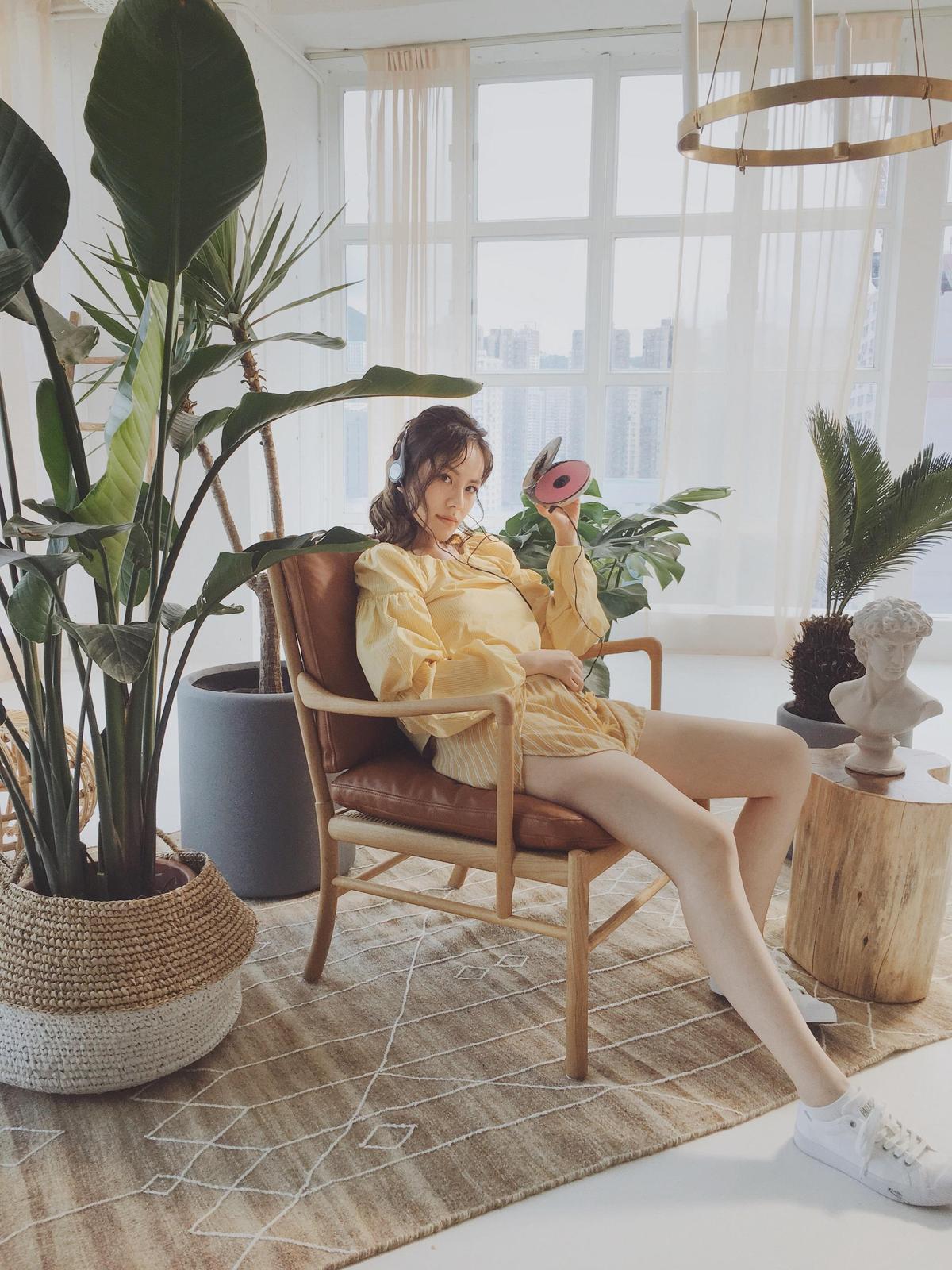 王詩安推出新歌〈GOOD TIMES〉,大方分享分享晒出小麥肌的祕訣。(賦音樂提供)