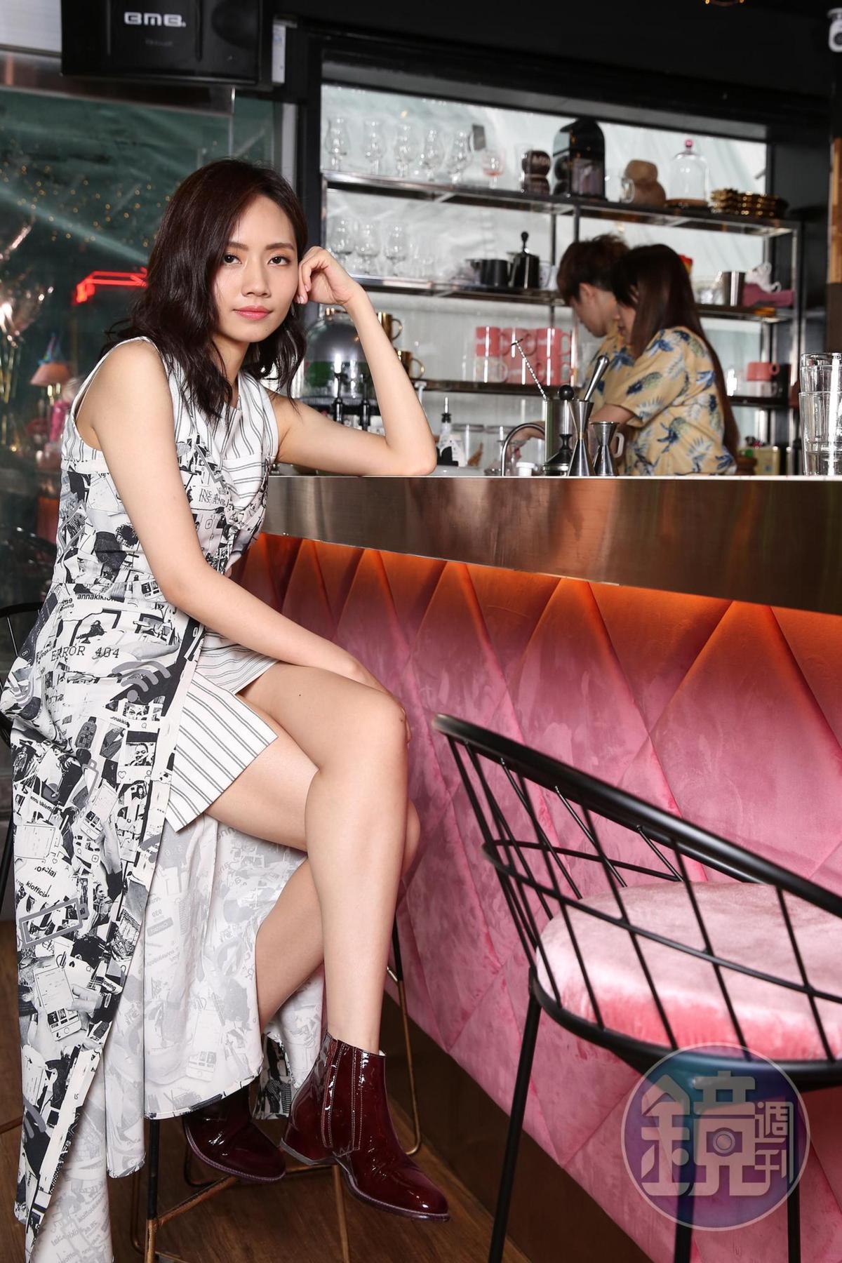 劉惜君侃侃而談最愛台灣獨立樂團「落日飛車」、「青春大衛」等。