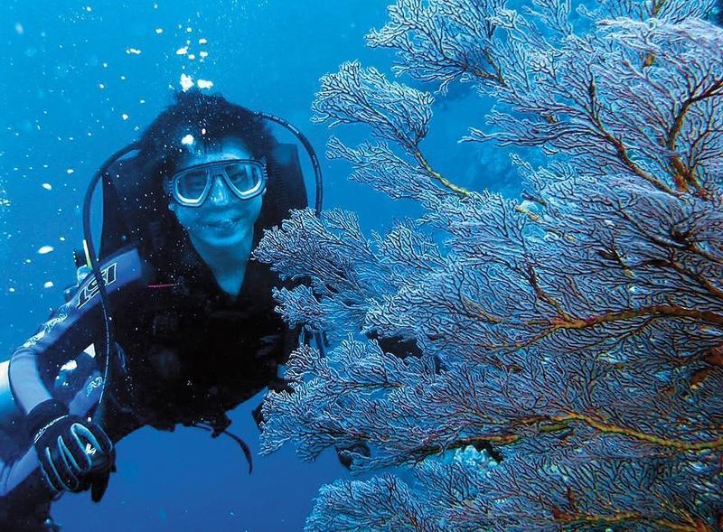 陳其邁從台大研究所參加潛水社,迄今已有近30年潛水資歷。(陳其邁提供)