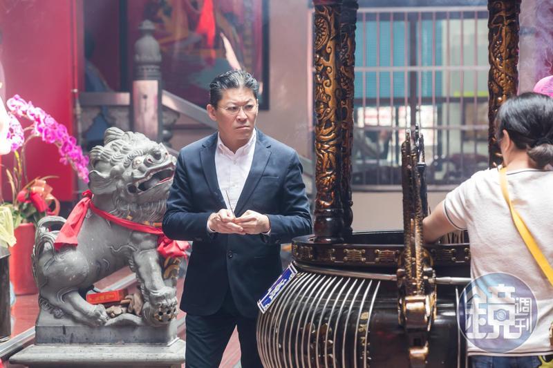 宏泰集團完成接班,由林鴻南接下掌門之位,近1年多他也替父親出席湧蓮寺活動。