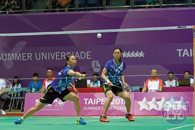 大同高中畢業的羽球選手吳玓蓉(右),在去年世大運為台灣抱回睽違10年的女子雙打金牌。