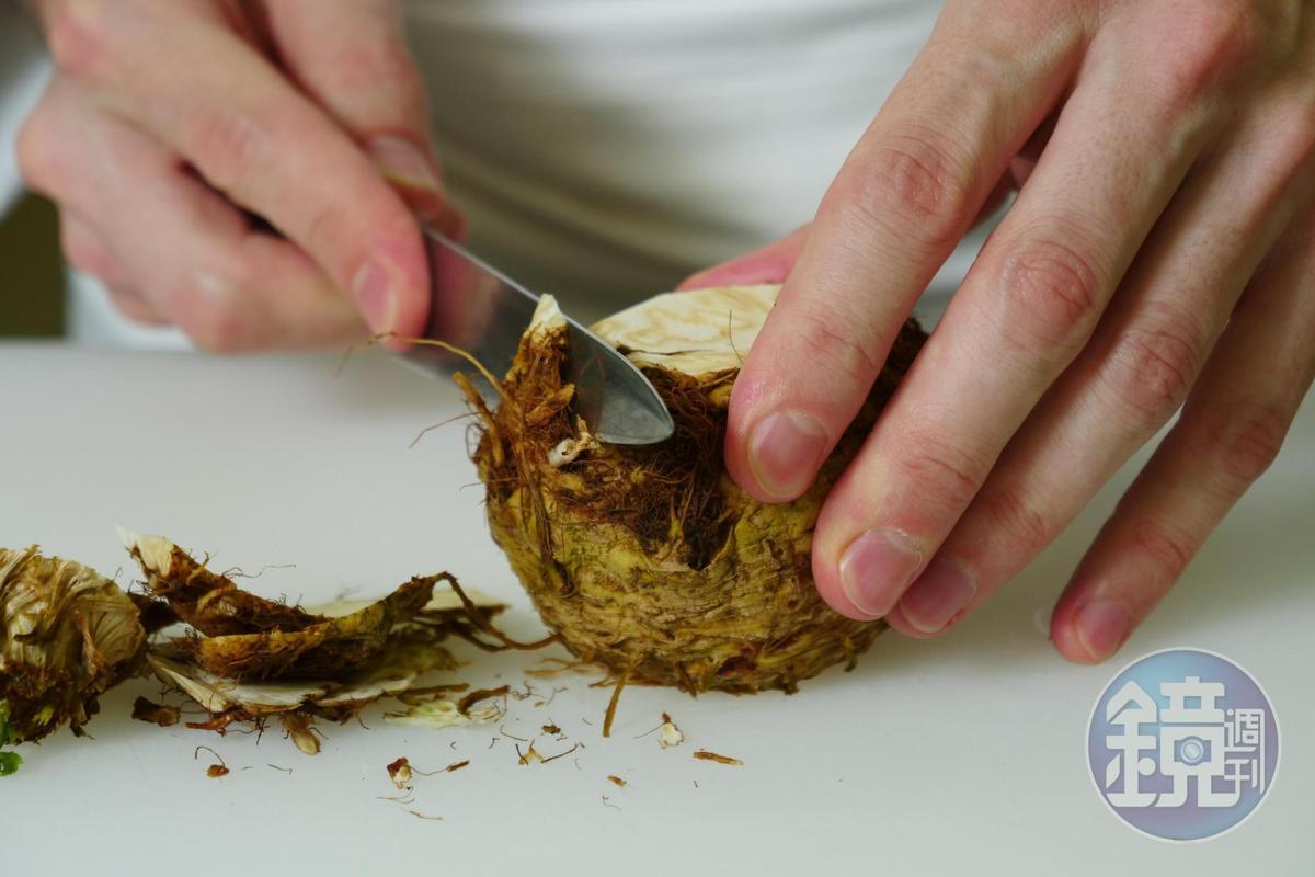 根芹菜質地、口感讓Clement很欣賞,近來在小農努力下,成功種植在台灣土地上。