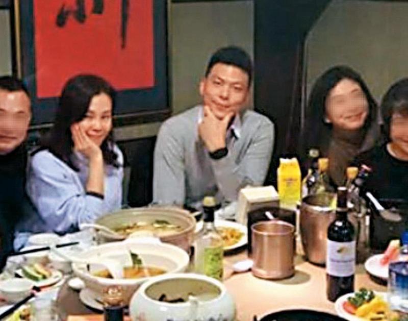 彭佳慧新歡Ken Wu(中)現職瓦城集團主管。(讀者提供)