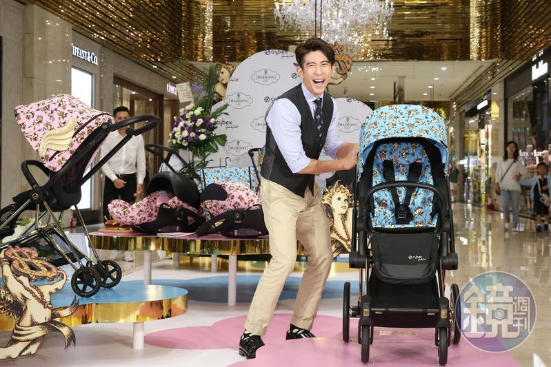 修杰楷出席活動,對於嬰幼兒推車經驗分享口若懸河,果然是好爸爸一名。
