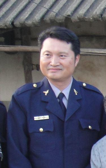 兩線二的台南麻豆警備隊長許文福疑似身體不適,加上業務沉重,晚間下班舉槍自盡。(警方提供)
