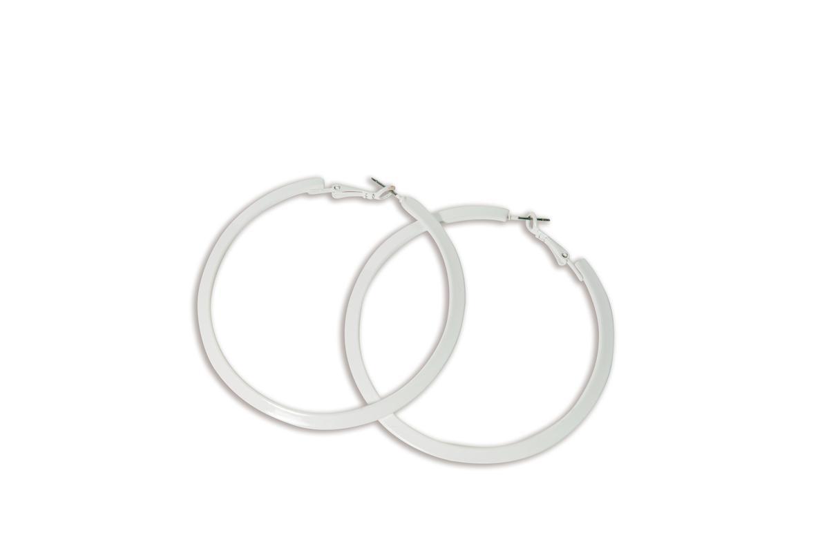 FOREVER21白色圓圈耳環。約NT$120