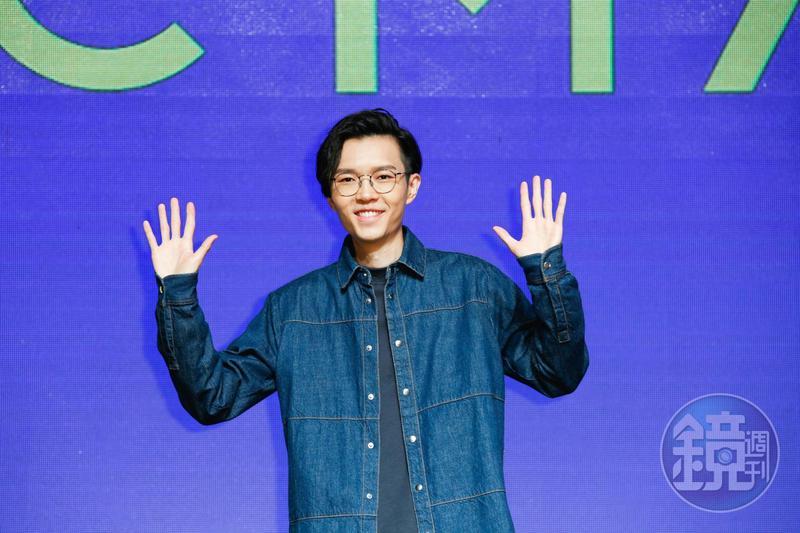 方大同將擔任本屆金曲獎最佳男演唱人頒獎人,問起看好誰得獎,他盛讚小宇的音樂,但跟李玖哲也交情頗深。