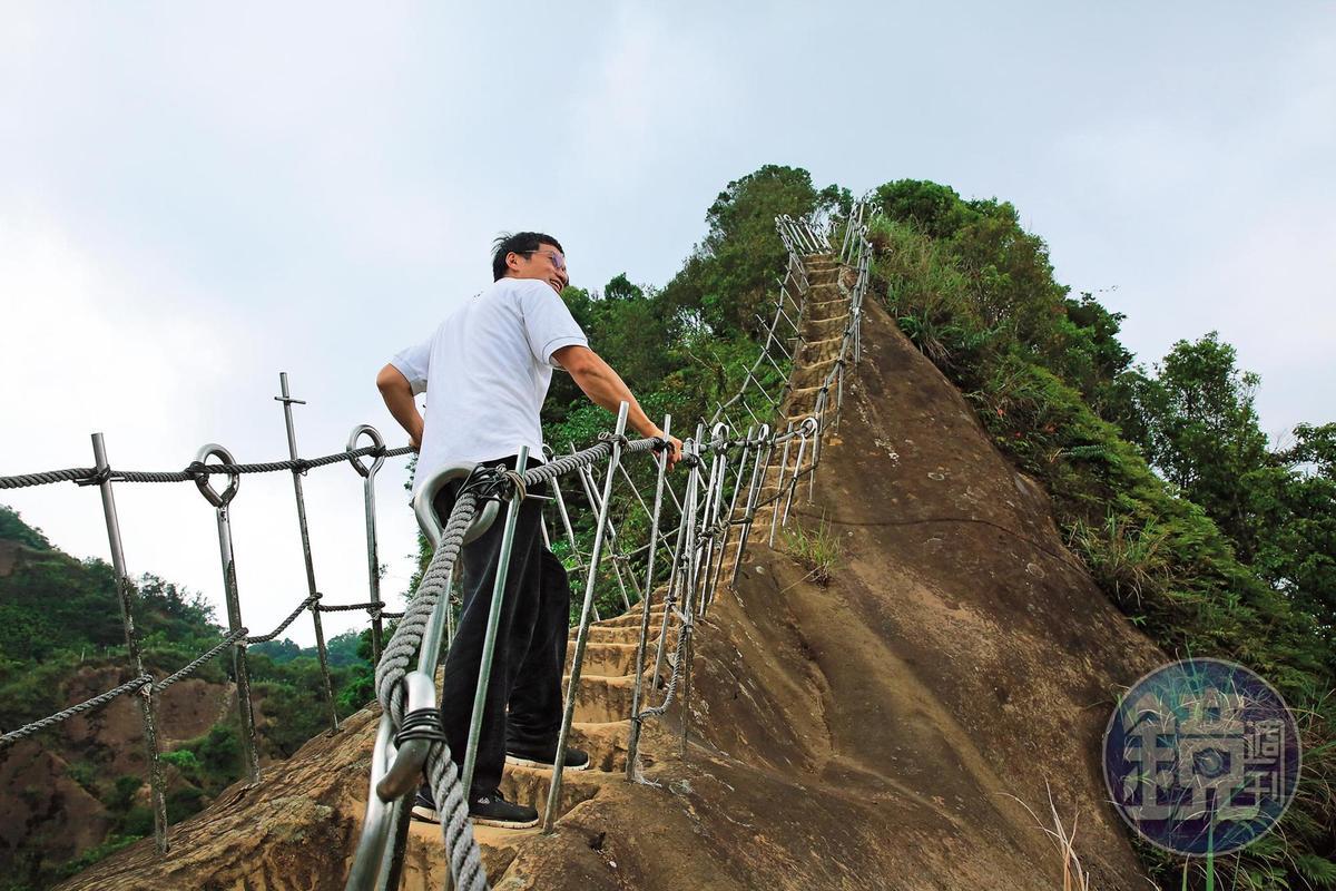 普陀山峰頂陡狹,步步驚心。