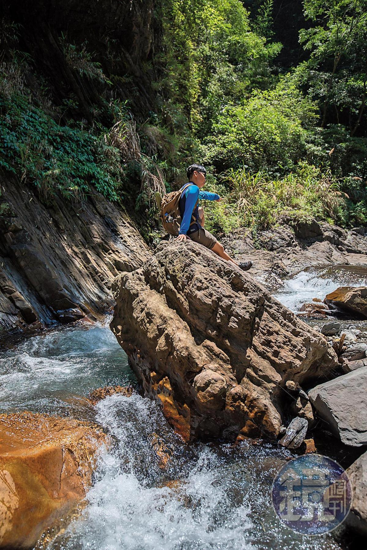 若遇水流湍急,請勿在溪中戲水。