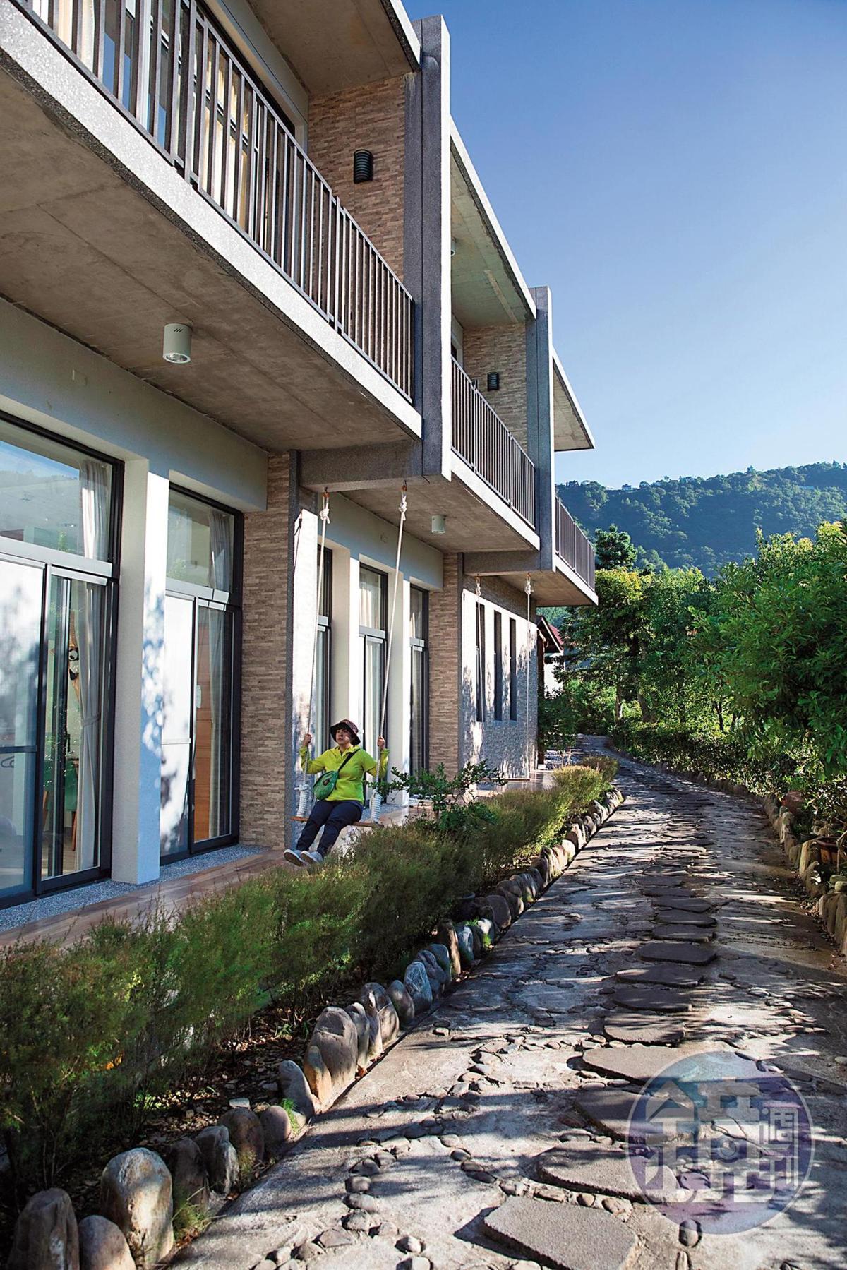 「谷點咖啡民宿」不同於拉拉山上的木屋,設計較為現代化。