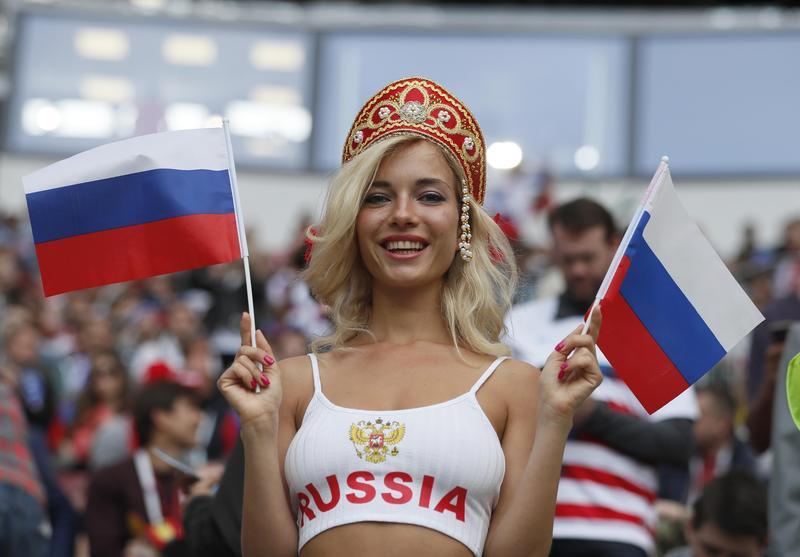 世足場上,俄國女性淪為被物化的對象。(東方IC)