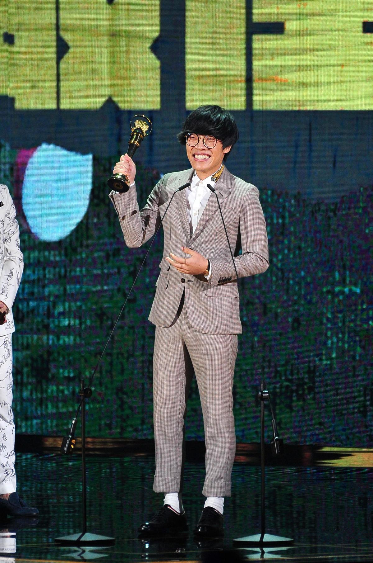 【金曲29】卢广仲夺两奖献给天上的阿嬷与外婆
