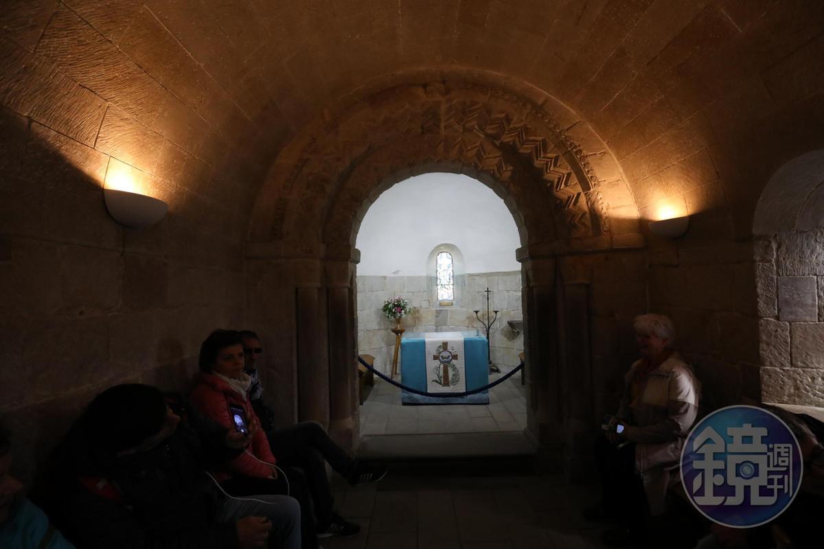 建於西元1130年的聖瑪格麗特禮拜堂,是在連綿戰火中唯一倖存的中世紀建築。