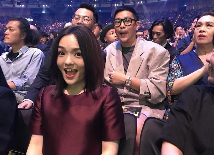 徐佳瑩在封后後首度po文,還附上與男友比爾賈的合照,發文後許多粉絲湧入留言恭喜。(翻攝自徐佳瑩臉書)