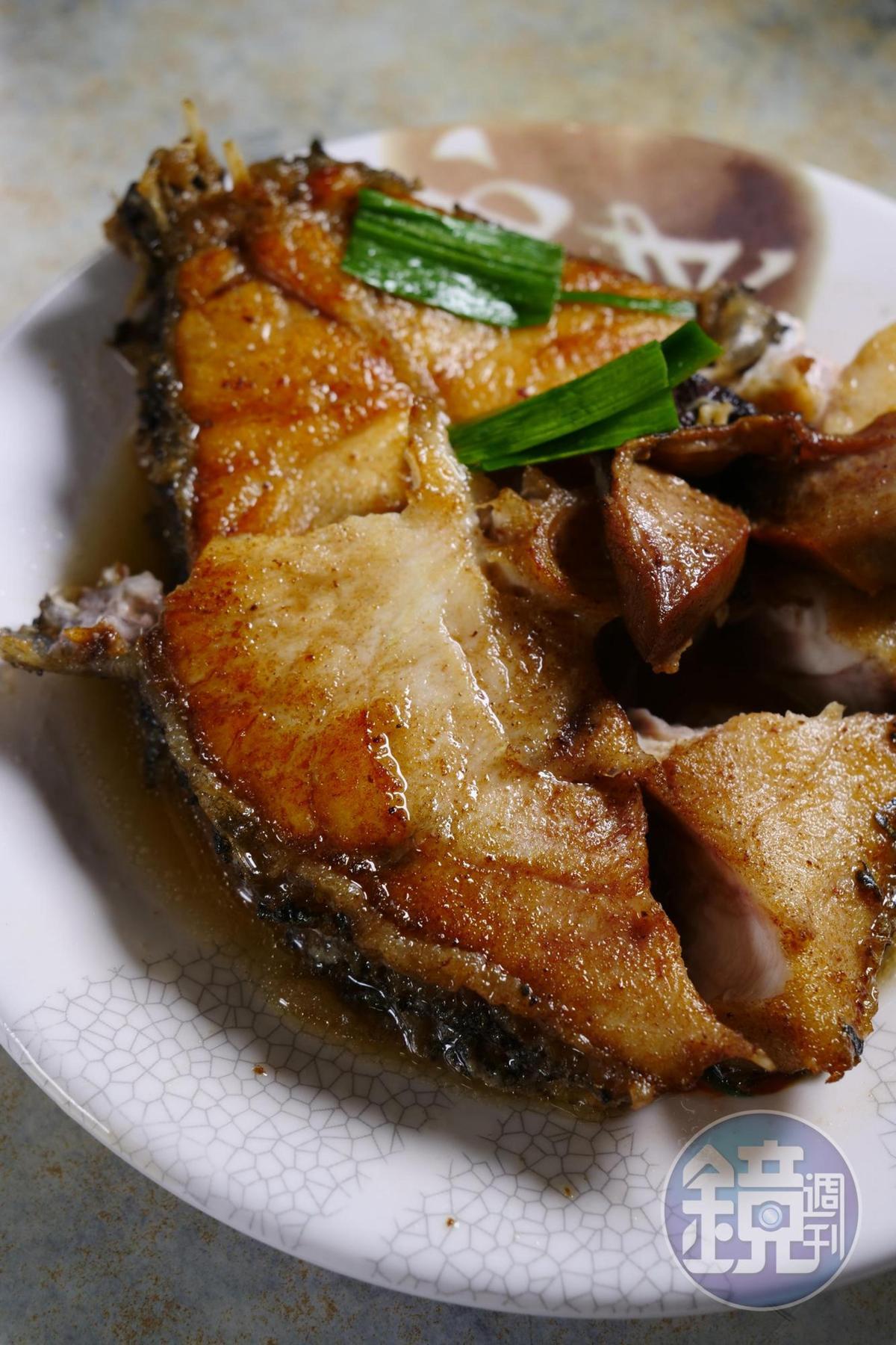 紅燒鮸魚肉質細嫩。