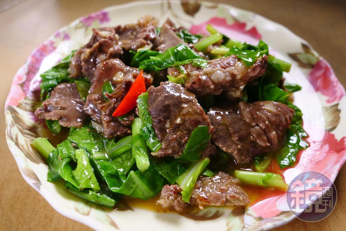 牛腩加入白芥藍菜一起炒,辣爽順口。(150元/大份)