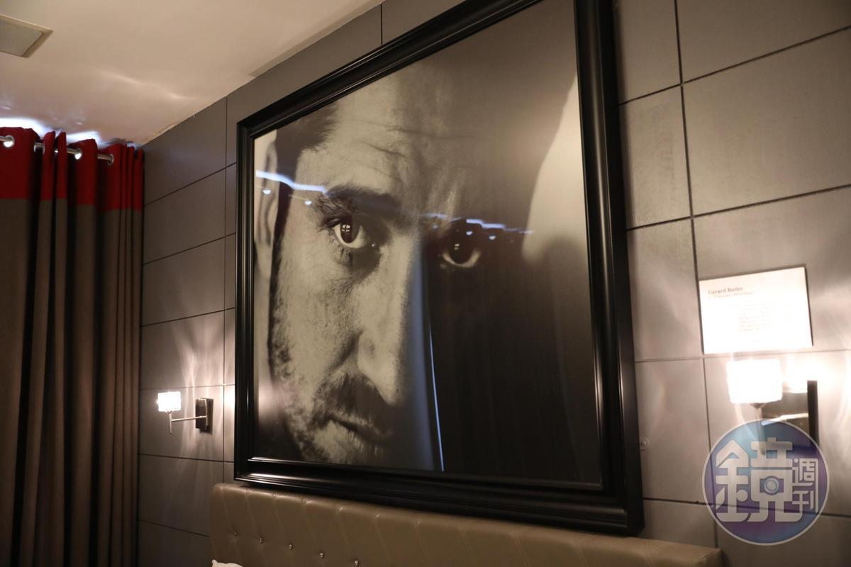 這間房放的是主演《300壯士:斯巴達的逆襲》的蘇格蘭演員Gerard Butler。