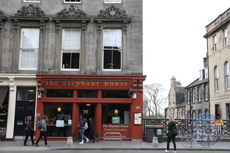 紅色門面的「the elephant house」,是哈利波特的誕生地。
