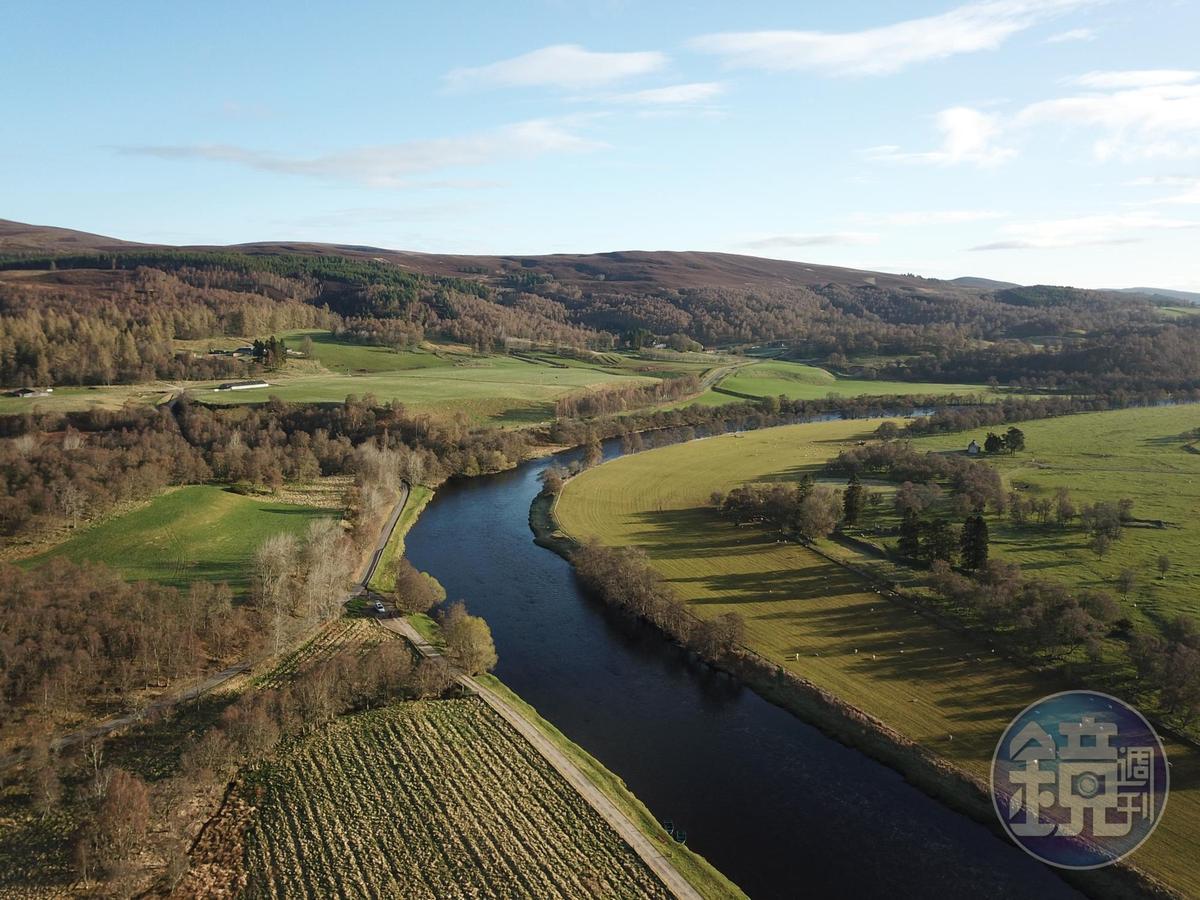 斯貝河兩岸風景秀麗,山林還藏著許多釀酒廠。