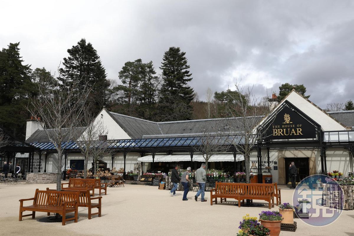 「The House of BRUAR」是一個很有英國風情的購物中心,裡面有餐廳也有賣場。