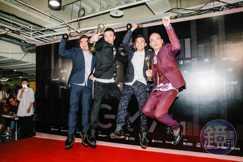 「茄子蛋」樂團奪得金曲獎最佳新人與最佳台語專輯獎,團員們用來鼓勵自己的「積極樂觀,感恩惜福」也成了熱門關鍵字。